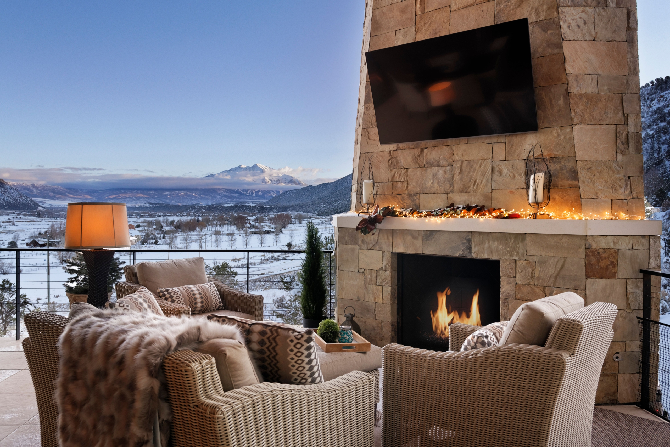 Outdoor fireplace of 1711 property